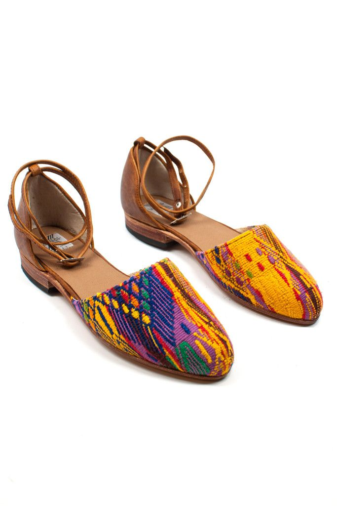 Currently dreaming of a warm tropical getaway and these flats with a breezy dress. www.mooreaseal.com