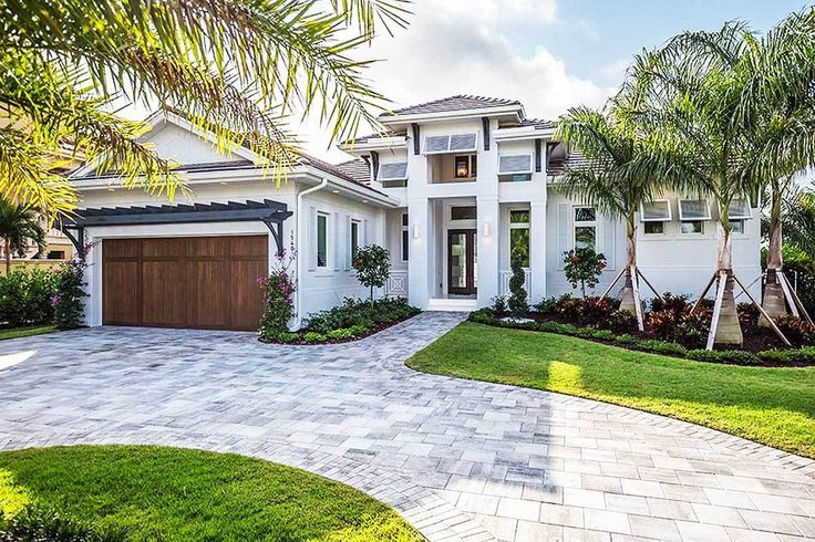 Florida Living with Wonderful Outdoor Space - 86028BW | 1st Floor Master Suite, Beach, CAD Available, Den-Office-Library-Study, Florida, Luxury, PDF, Photo Gallery, Premium Collection, Southern, Split Bedrooms | Architectural Designs