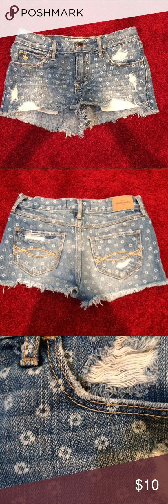 Abercrombie kids denim shorts These are super adorable and perfect for summer. Fits a kids 14 or a women's 00 or 24 Abercombie Kids Bottoms Shorts