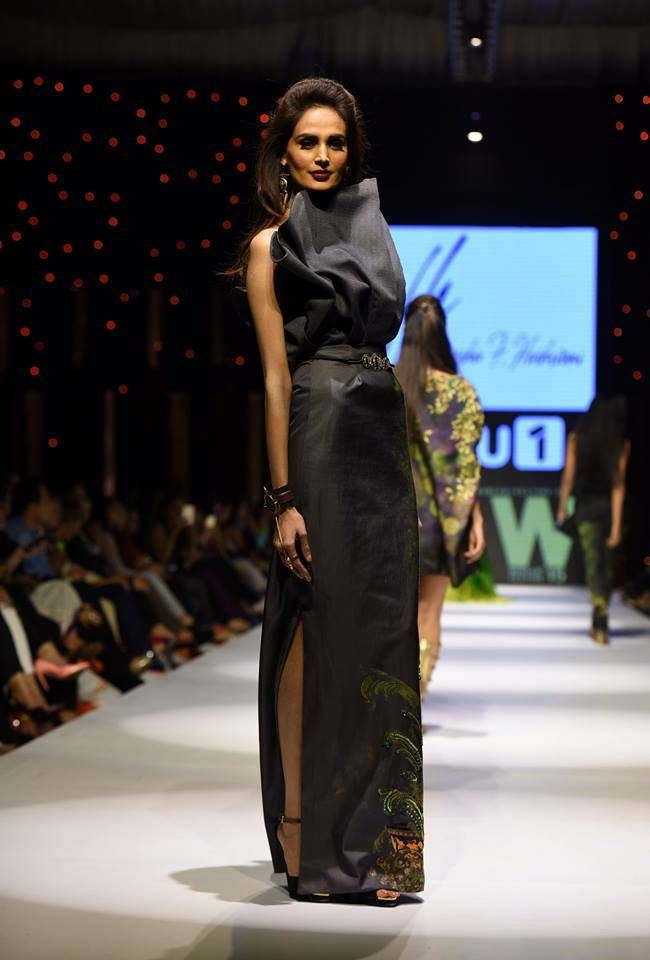 Fashion Week Pakistan 2015-2016: FWP'15 Designer Collections | StylesGap.com
