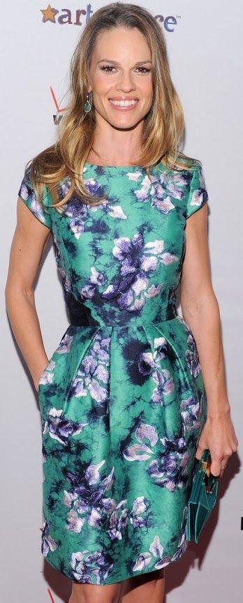 #Gowns/ #Vestido de festa/ #Abiti da cerimonia  #HilarySwank