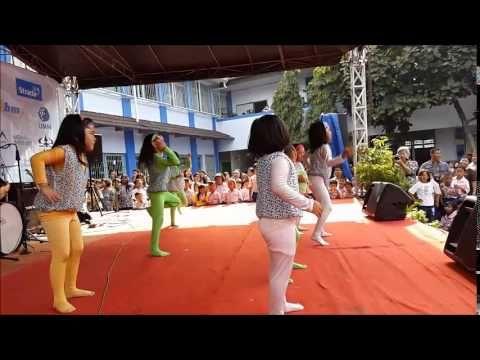 """The Kids """"Snake"""" Dance"""