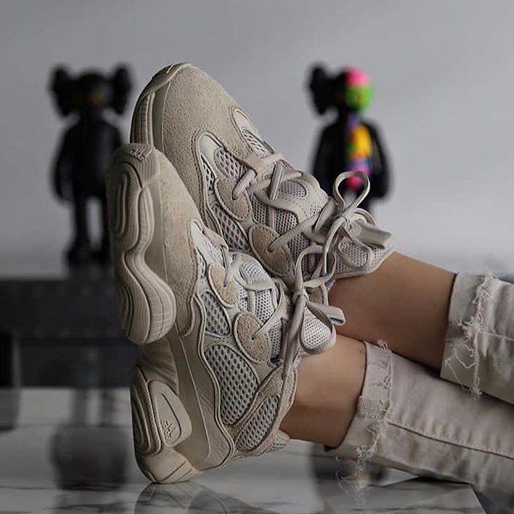 🍓 Insta : @mgacluboff  #hypebeast #streetwear #sneakers #sneakersshoot #outfi…