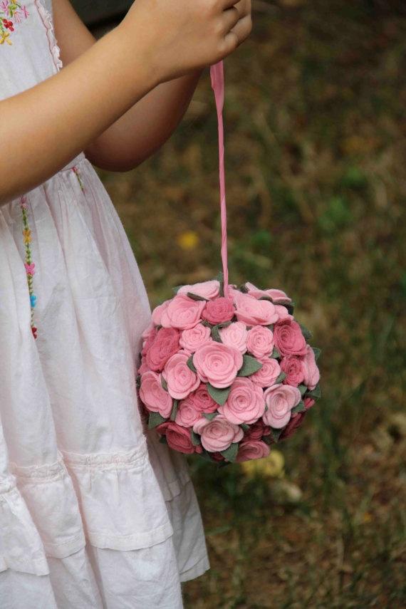 Porta alianças. Um mimo pra você noiva que gosta de novidades e é romântica.