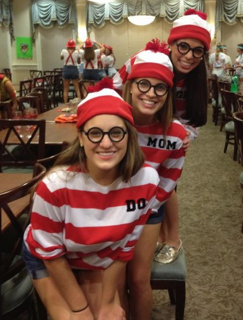 Family Costumes - Every family comes dressed in a diff theme to Big/Little Reveal