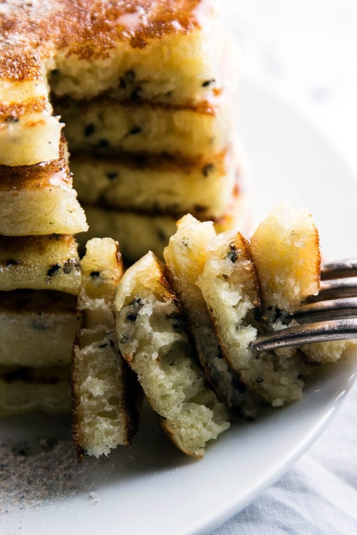 This Lemon Black Sesame Pancakes recipe makes an extra fluffy, zesty and delicious  breakfast treat. Perfect for Mother's Day! | savorynothings.com