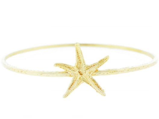 Sweet starfish bangle: Kai Bangles, Fashion Clothing, Starfish Bangles, Gold Kai, Clothing Jewelry, Arm Bracelets, Gold Starfish, Kirakira Gold, The Beaches