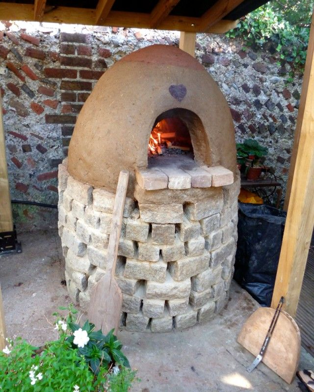how to build a clay pizza oven