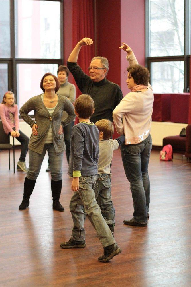 Gry i zabawy teatralne - prowadzenie: Anna Korzon (fot. Tomasz Wnukowski)