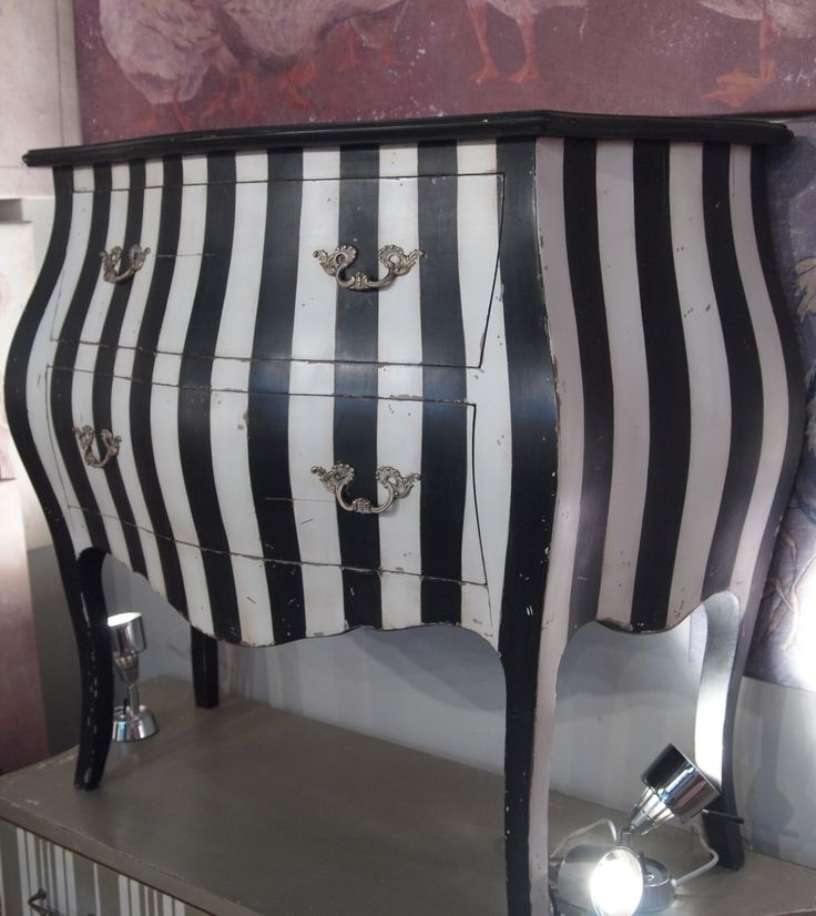 great chestDecor, Ideas, Stripes Dressers, Black And White, Black White, Tim Burton, Painting Dressers, White Stripes, Chest Of Drawers