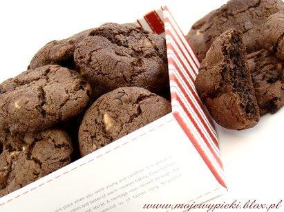 Ciastka potrójnie czekoladowe (triple-choc cookies)