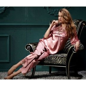 Conjunto de Pijama de Seda e Rendas Rose 40 a 48