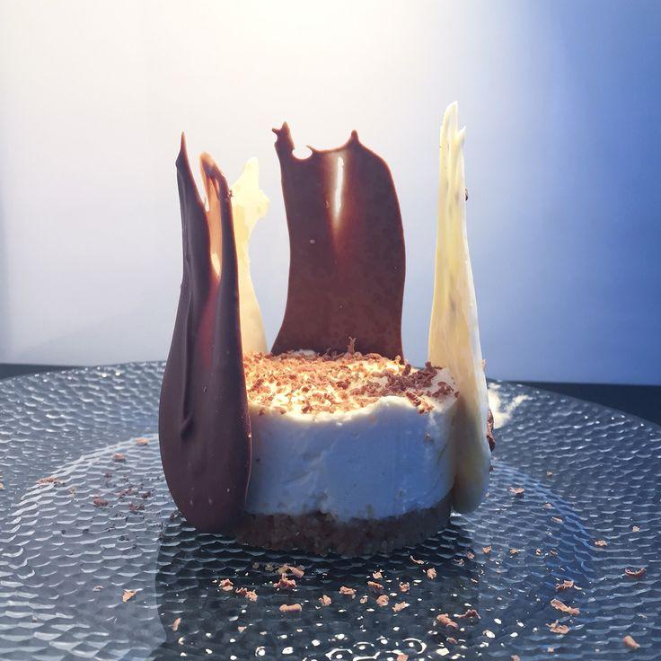 Baileys x chocolate mini no-bake cheesecake.