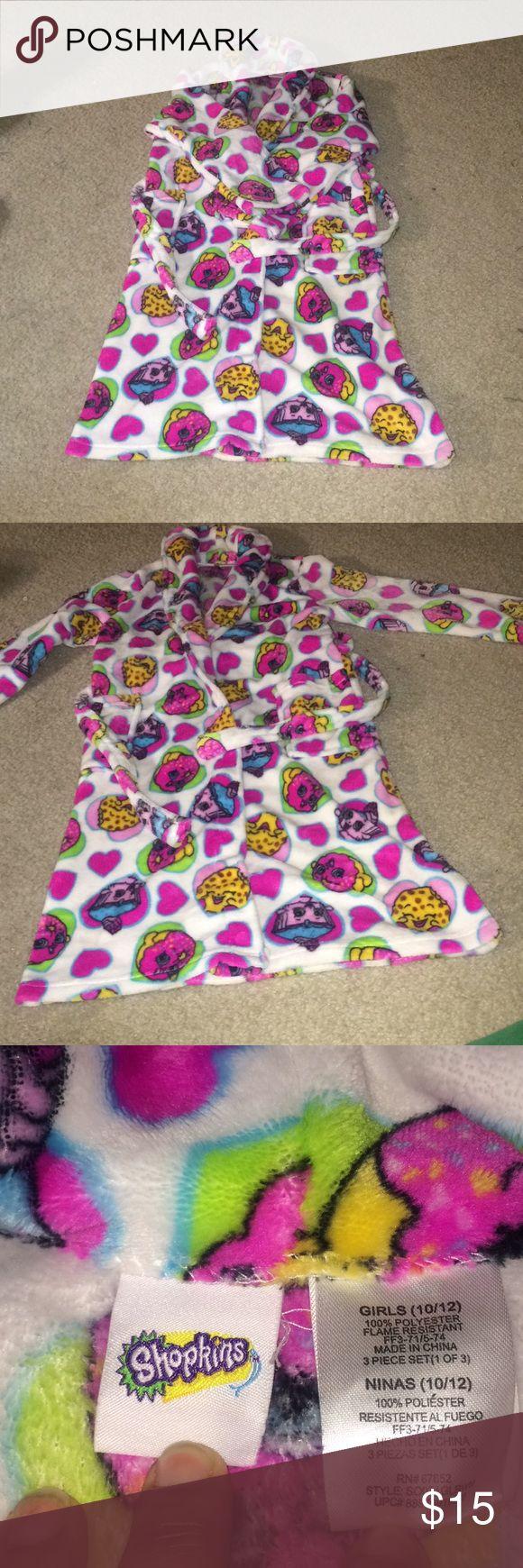 Fluffy Shopkins robe Hardly worn Shopkins robe with belt Shopkins Pajamas Robes