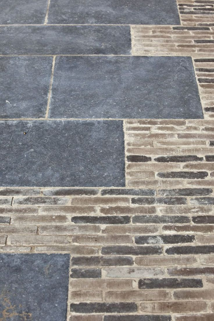 Hardscape Materials | Slate pavers & brick