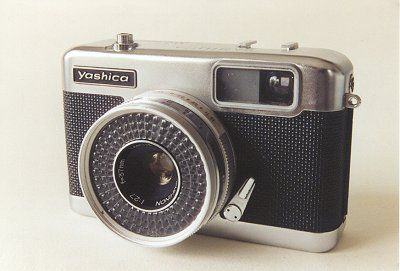 "Yashica EZ-matic      28x28mm (""126"")  Yashinon f/2.7, 37 mm  Copal 1/30 - 1/600, B  1965?"