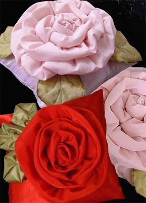 ARTESANATO COM QUIANE - Paps,Moldes,E.V.A,Feltro,Costuras,Fofuchas 3D: Mais uma idéia de almofada flor de tecido pra vc fazer