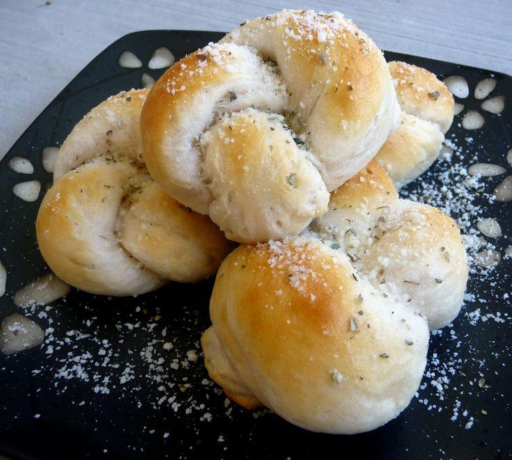 Easy Parmesan KnotsButtermilk Biscuits, Easy Parmesan, Breads, Kids Friends Recipe, Garlic Parmesan, Favorite Recipe, Parmesan Knots, Chefs In Training, Garlic Knots