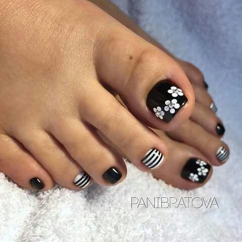 Cute without the stripes #PedicureIdeas