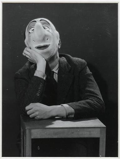Boiffard Jacques-André (1902-1961) Sous le masque : Pierre Prévert, 1930.