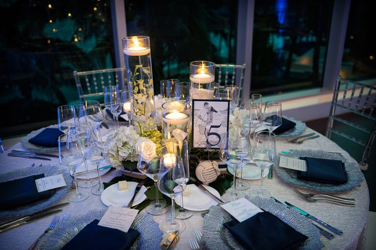 Beachy tablescape for destination wedding! (Jeff Kolodny Photography, Inc)