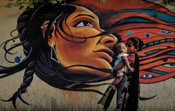 Violadas, espancadas, assassinadas, abortadas. Na Índia há uma guerra contra as mulheres mas o tema apenas foi aflorado na campanha para as eleições de segunda-feira.