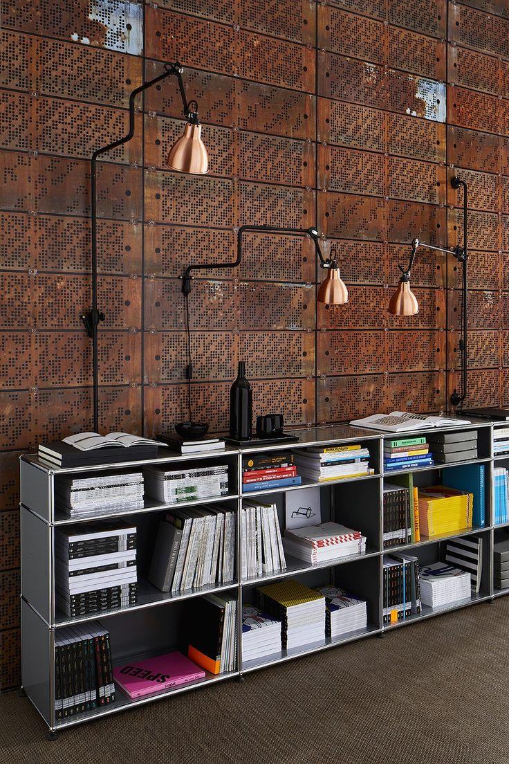 Inspirations : Industriel et Vintage - Les bibliothèques design USM Haller se plient aux contraintes de l'espace tout en offrant des rangements généreux. Modulables, elles s'agrandissent au fur et à mesure de vos besoins.