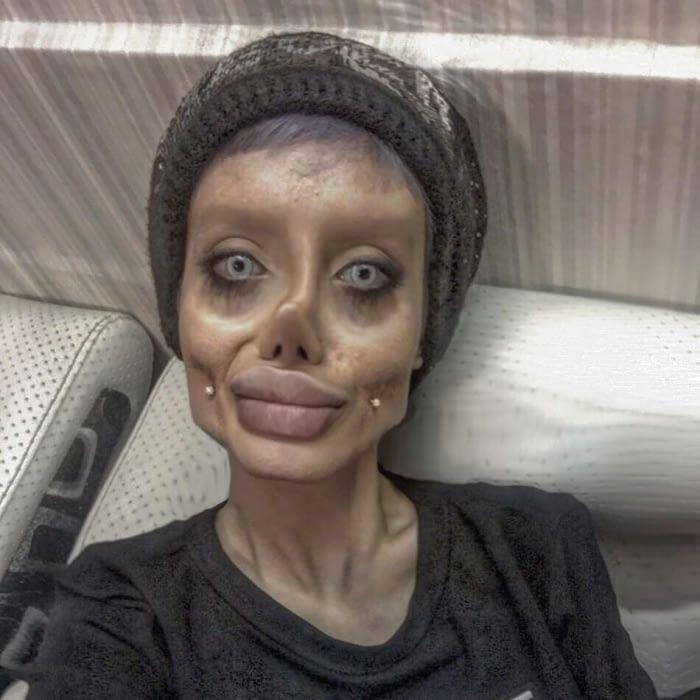Detalles. - <p>Además de usar maquillaje para hacer su piel más pálida y sus facciones más definidas, Sahar también usa lentes de contacto para simular los ojos azules de Jolie, además de yta haber aumentado sus labios para lucir como los de la actriz.</p>