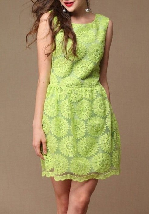 Green Floral Embroidery Pleated Hollow-out Lace Dress