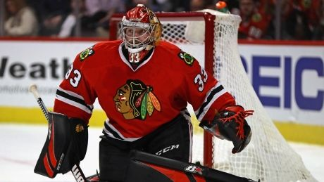 Hurricanes acquire goalie Scott Darling from Blackhawks
