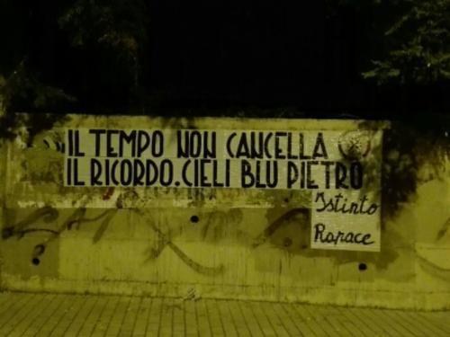 Umbria: #Casapound #ricorda #Pietro Taricone:  Il tempo non cancella il ricordo. Cieli blu (link: http://ift.tt/29c6H0c )