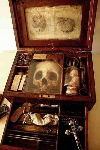 Victorian vampire hunters kit