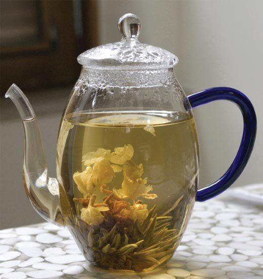 Chás de boldo, hortelã e calêndula ajudam a trazer boas energias para a ca...