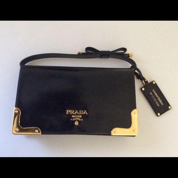 Authentic PRADA Limited Edition Spazzolato Clutch Black shiny ...
