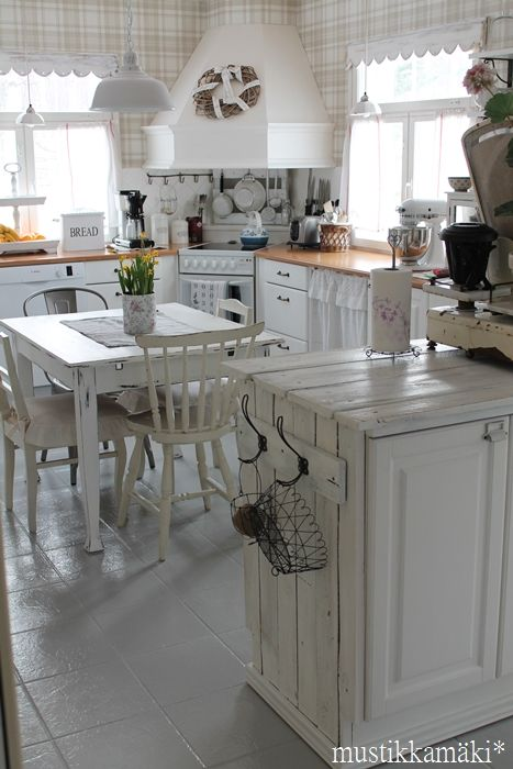 Warm it up with natural wood floors and I'm all over this baby!