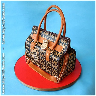 aMK-purse-cake-1 by Cakes.KeyArtStudio.com, via Flickr