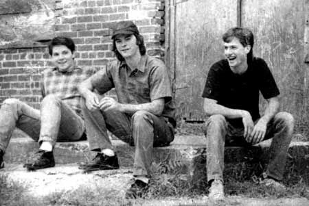 Uncle Tupelo ... sounds like home (Jay Farrar - middle; Jeff Tweedy - left; and Mike Heidorn - right)