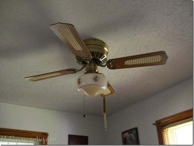 Don T Throw Away That Ugly Ceiling Fan Paint It Seems
