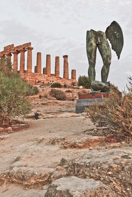 Icaro, Valle dei Templi, Agrigento, province of Agrigento , Sicily region Italy Gita dell'ultimo anno di liceo #agrigento #sicilia #sicily #sicile