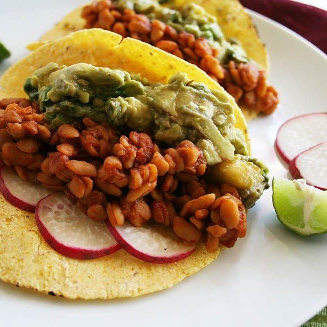 BBQ Tempeh Tacos with Grilled Pineapple Guacamole (vegan gluten free) - These tacos are sweet and spicy! They will be a welcome change on taco night! Recipe is on the blog. Link in bio. #vegan #glutenfree #veganfoodshare #whatveganseat #vegansofig #vegansofinstagram #govegan #vegancommunity #crueltyfree #veganglutenfree #foodporn #veganfoodporn #veganfoodlovers #veganfood #veganism #veganlife #veganforlife #healthyeating #veganrecipes #vegantacos #tacos #tempeh #bbq #healthytacos #veganeats…