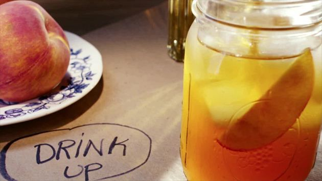 Get Peach Texas Tea Recipe from Cooking Channel