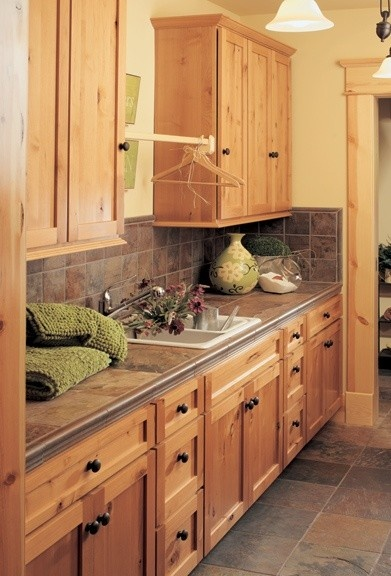 Canyon Creek Cabinet Company Monroe, Washington; Canyon Creek Shaker in Rustic Alder with a Honey stain