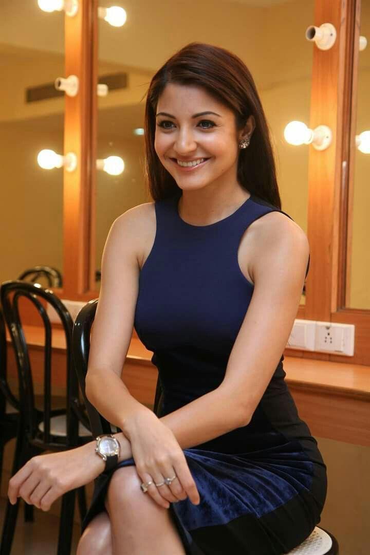 She looks pretty Anushka Sharma <3