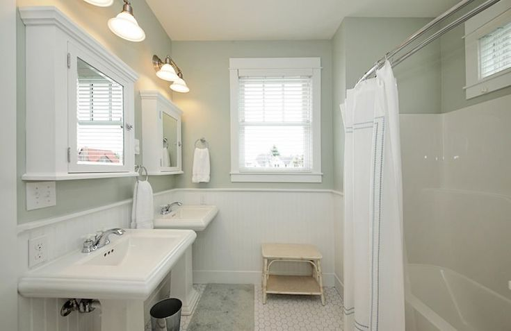 Fiberglass Tub Shower Combo UPGRADE Beadboard Wainscot With Chair Rail D