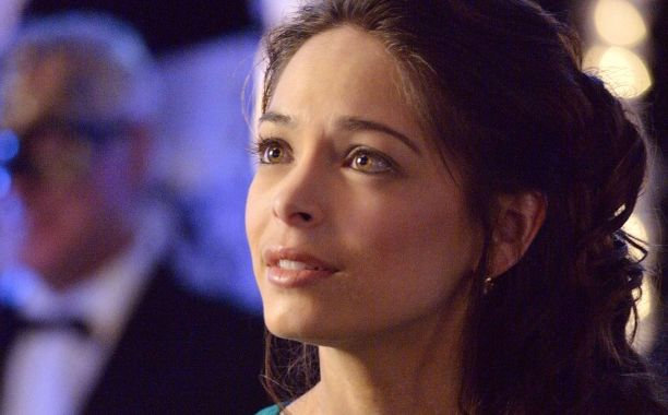 Kristin Kreuk talks 'Beauty and the Beast' -- and confesses about her 'Star Trek' addiction | EW.com