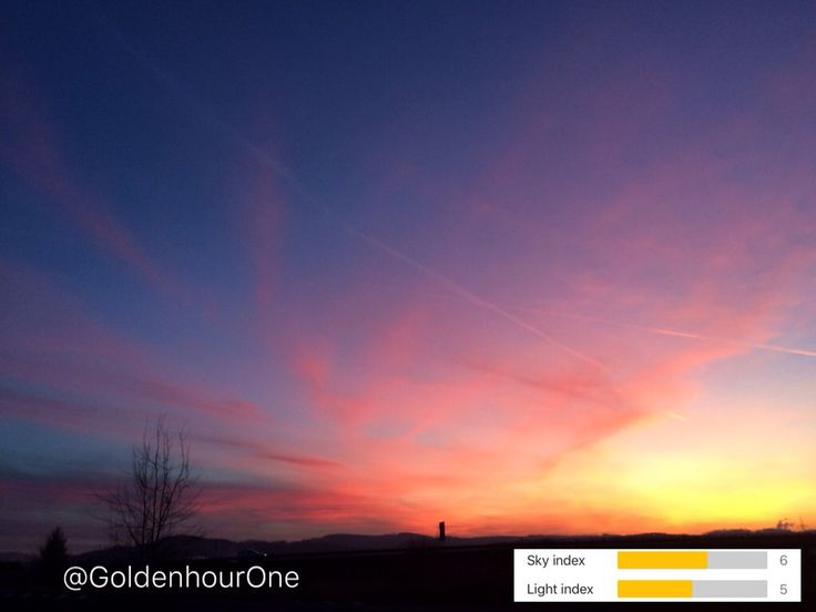 #GoldenHourOne forecast and result of todays #sunset. #goldenhour #bluehour #ios #redsky #photography