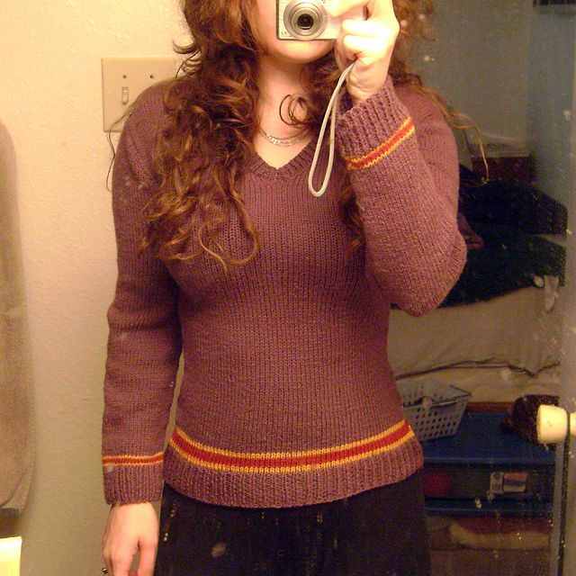 Harry Potter Uniform Sweater by Katie Marcus. (Use gray for main color) Free pattern on Ravelry at http://www.ravelry.com/patterns/library/harry-potter-uniform-sweater