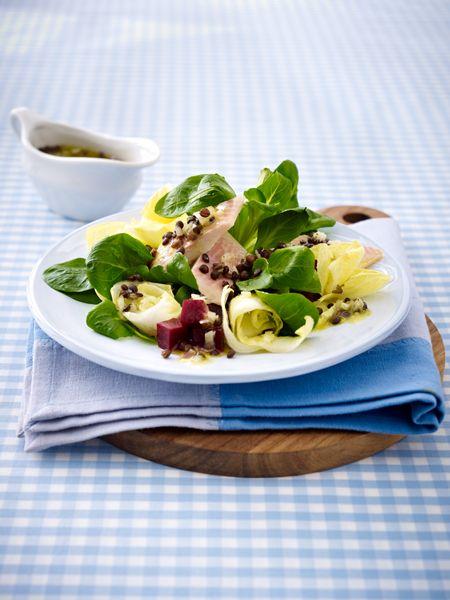 Eiweiß Rezept - unter 400 kcal Feldsalat mit Räucherforelle