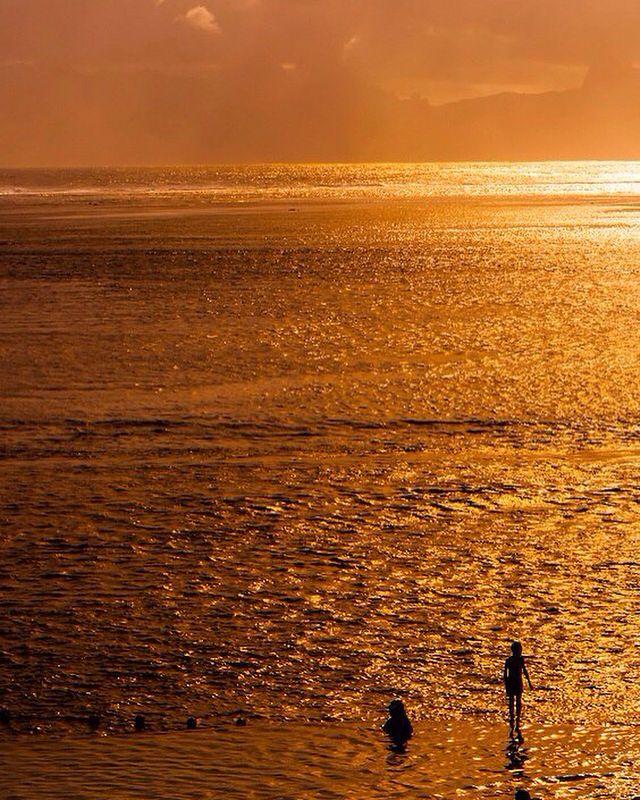 Закат на Таити.