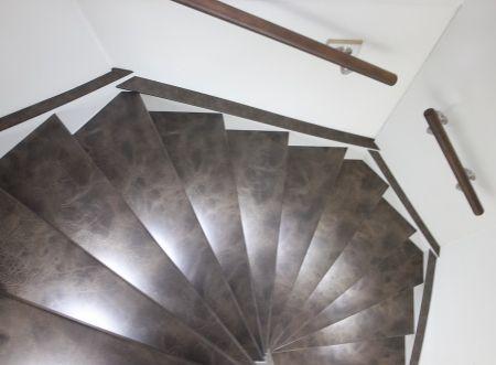 Leather trapbekleding - leren traprenovatie Upstairs